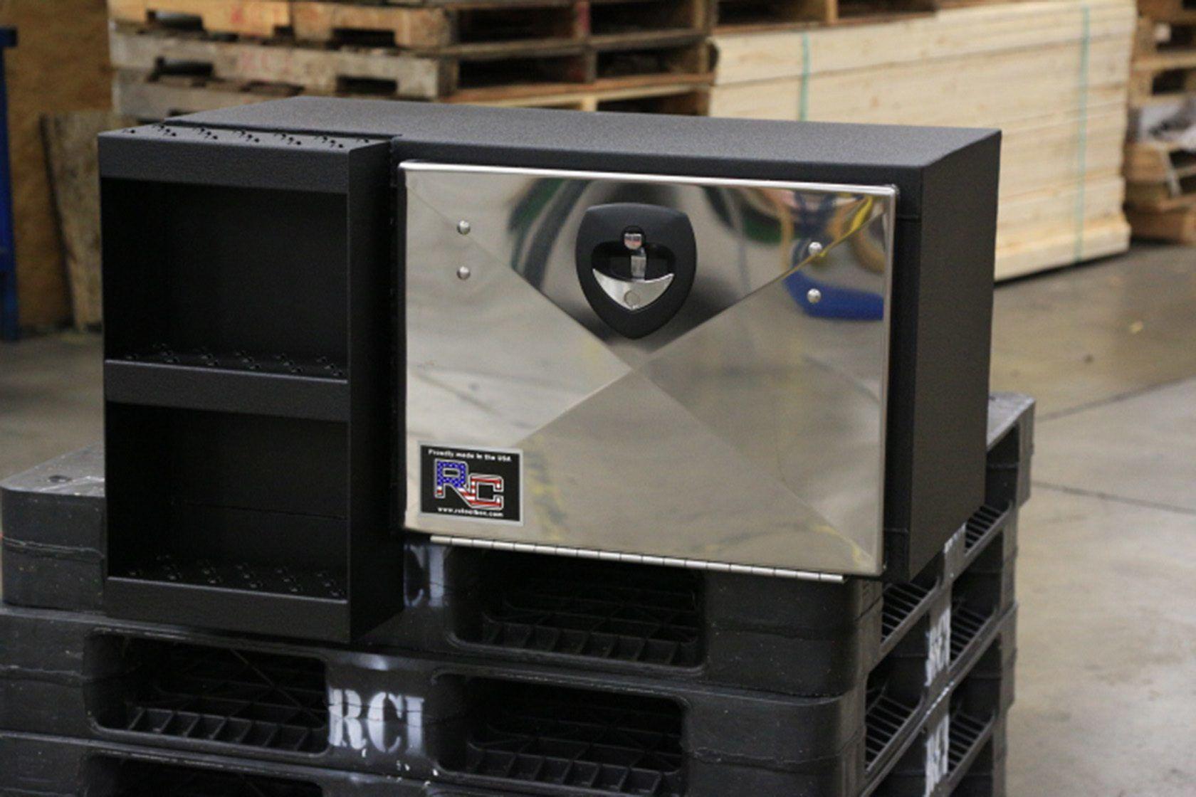 d series truck toolbox